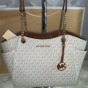 New Michael Kors purse, hand bag, shoulder bag